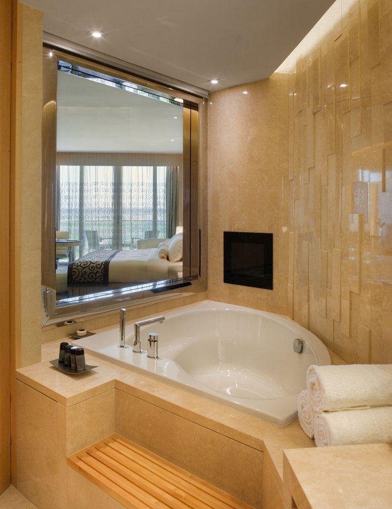 tmh_bathroom-min