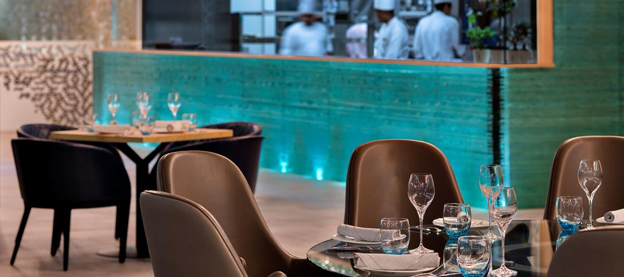 burj-al-arab-restaurants-scape-interior-hero