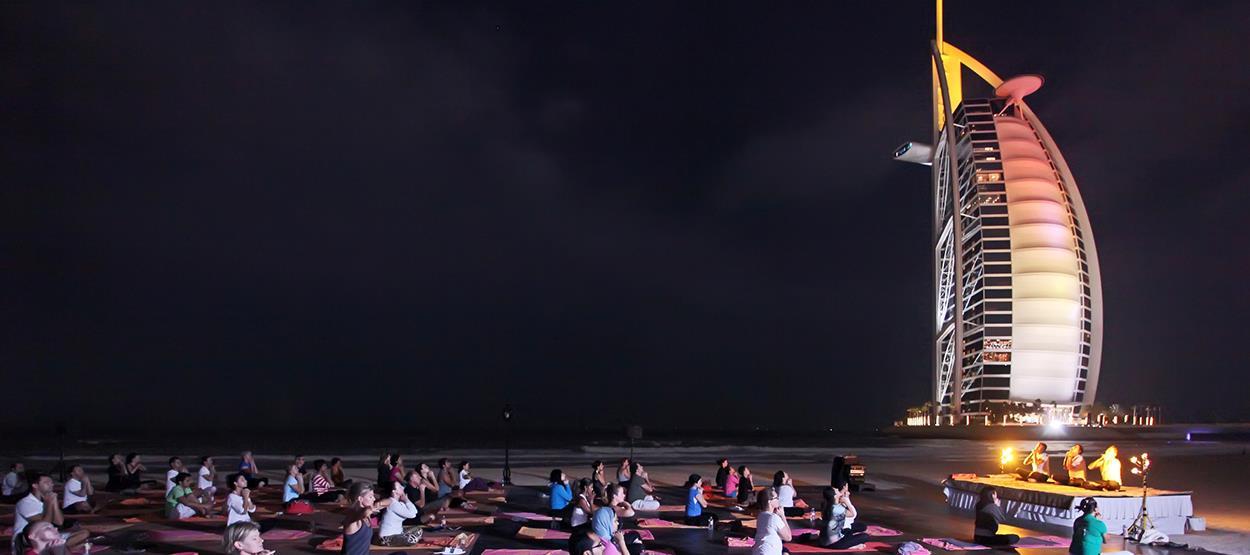mj-lifestyle-talise-spa-full-moon-yoga-hero