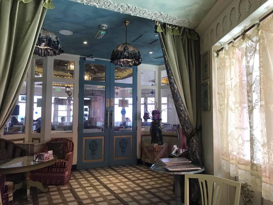 Shakespeare and Company Café2